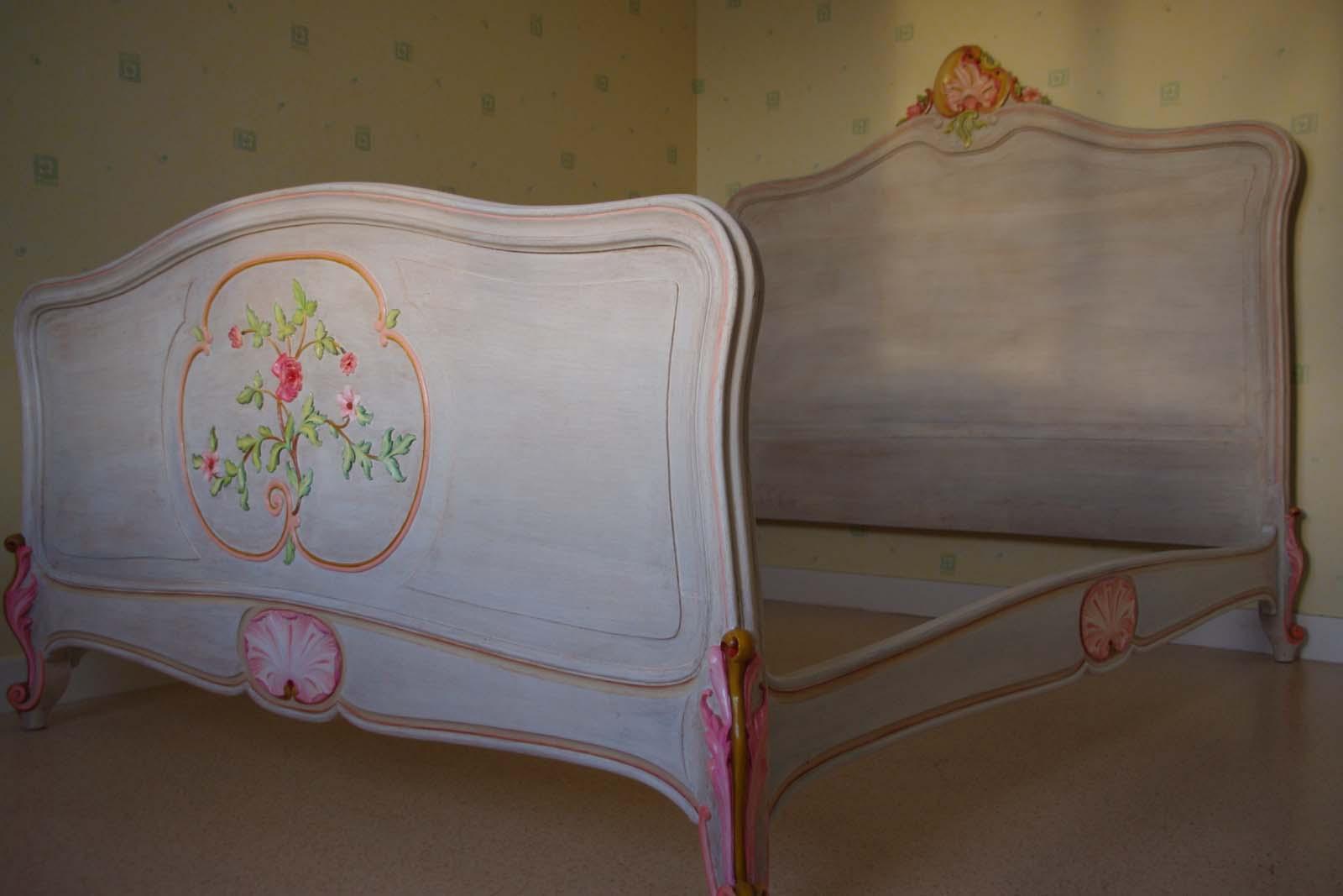 lit ancien relook lasur et peint la main. Black Bedroom Furniture Sets. Home Design Ideas